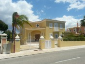Luxury 3 Bedroom, 4 Bathroom Villa in Vilamoura Golf Region