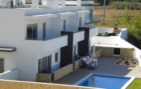 Group of 3 townhouses - shared pool minutes from beach