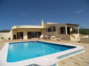 Great Three Bedroom Villa with Sea Views in Salema