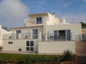 4 Bedroom Semi-detached Villa with Swimming Pool and Garden