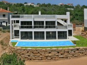 Fantastic priced ultra modern Villa in central Algarve