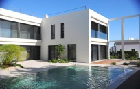Modern Villa with great views across Tavira to the sea