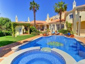 A classic luxury Quinta Do Lago villa