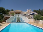 Clifftop villa for sale in Burgau