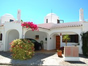 2 Bedroom Townhouse Close to Carvoeiro