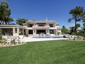 Fabulous new villa located in Pinheiros Altos