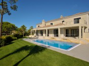 Grand and stylish Villa in Quinta Verde