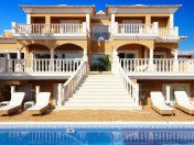 Luxury 6 Bedroom Villa With Sea Views