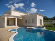 New villa near Alvor centre