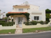 Charming 3 bed villa with large plot vilamoura