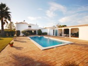 Charming 4 bedroom Villa with swimming pool and nice garden