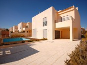 Excellent 4 bedroom Villa with swimming pool and garden