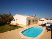 Charming 3 bedroom Villa with garage and swimming pool