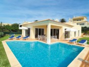 Stunning 3 bedroom Villa with swimming pool and Sea Views