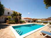 Charming 4 bedroom Villa with swimming pool, close to Beach