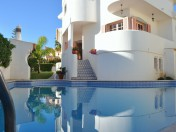 Beautiful Villa in Excellent location with Golf and Sea View