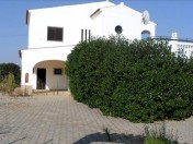 4 bedroom villa with swimming pool - Bank Repossession