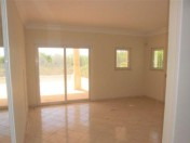 Beautiful 4 bedroom house with nice views in Luz, Lagos