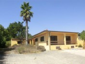 2 Bedroom house on a huge plot in Sao Joao das Lampas