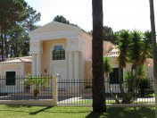 A charming 4 bedroom villa with lovely and spacious garden