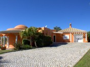 Private Villa with nice gardens & Tennis Court