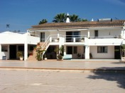 4 Bedroom villa with lovely sea views 
