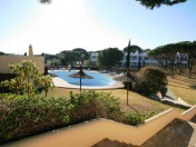 Adjacent to Vale do Lobo golf resort
