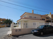 Lovely 3 Bedroom Villa - Cascais Walking Distance to the Sea